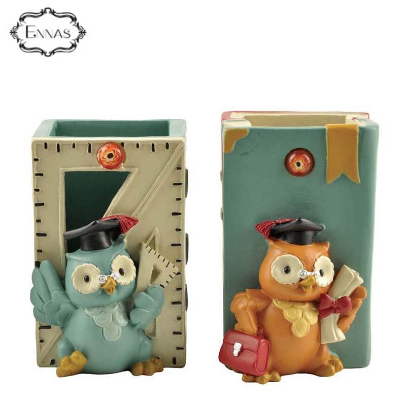 Resin owl pattern pen holder graduation gifts
