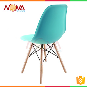 Wholesale Master designed beam structure No folded plastic dining chair