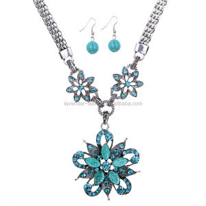 Newest design vintage jewelry set flower pendant set with blue rhinestone necklace