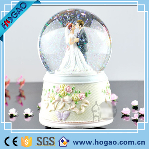 Wedding Marriage Anniversary Love Musical Water Snow Globe Here Comes The Bride and The Groom