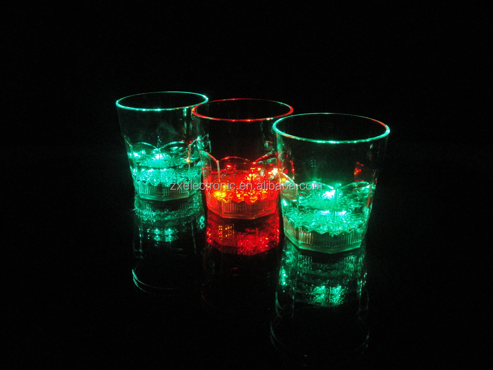 Glow in the dark party products Led cup/flashing cup