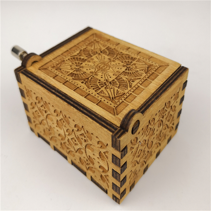 2020  Hot Antique Carved Music Box Wood Boxes  Hand CrankBirthday Present Gift Wooden Music box
