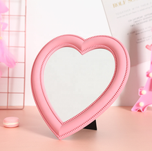 Personalizzato rosa <span class=keywords><strong>a</strong></span> <span class=keywords><strong>forma</strong></span> <span class=keywords><strong>di</strong></span> <span class=keywords><strong>cuore</strong></span> delle donne <span class=keywords><strong>specchio</strong></span> per il trucco