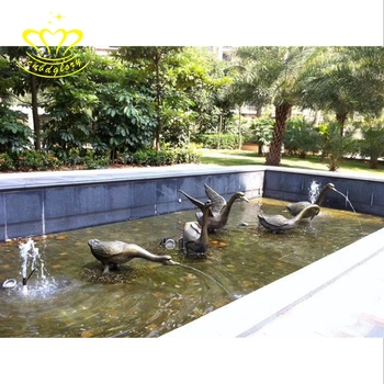 Metal Material brass craft garden home decor New product life size duck statue  Water fountain