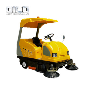 Warehouse Vacuum Sweeper Truck Leaf Cleaners Drive On Floor