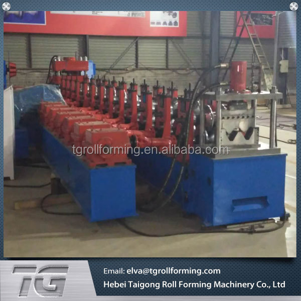 Good quality expressway guard rail cold roll forming machine