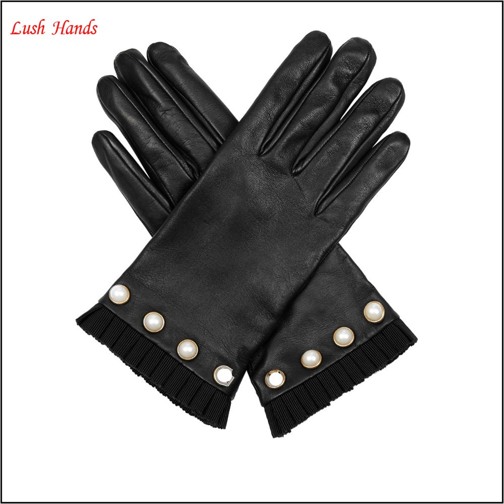 Women's Pearl-embellished winter leather gloves