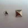 /product-detail/factory-custom-pyramid-studs-with-high-quality-60760232610.html