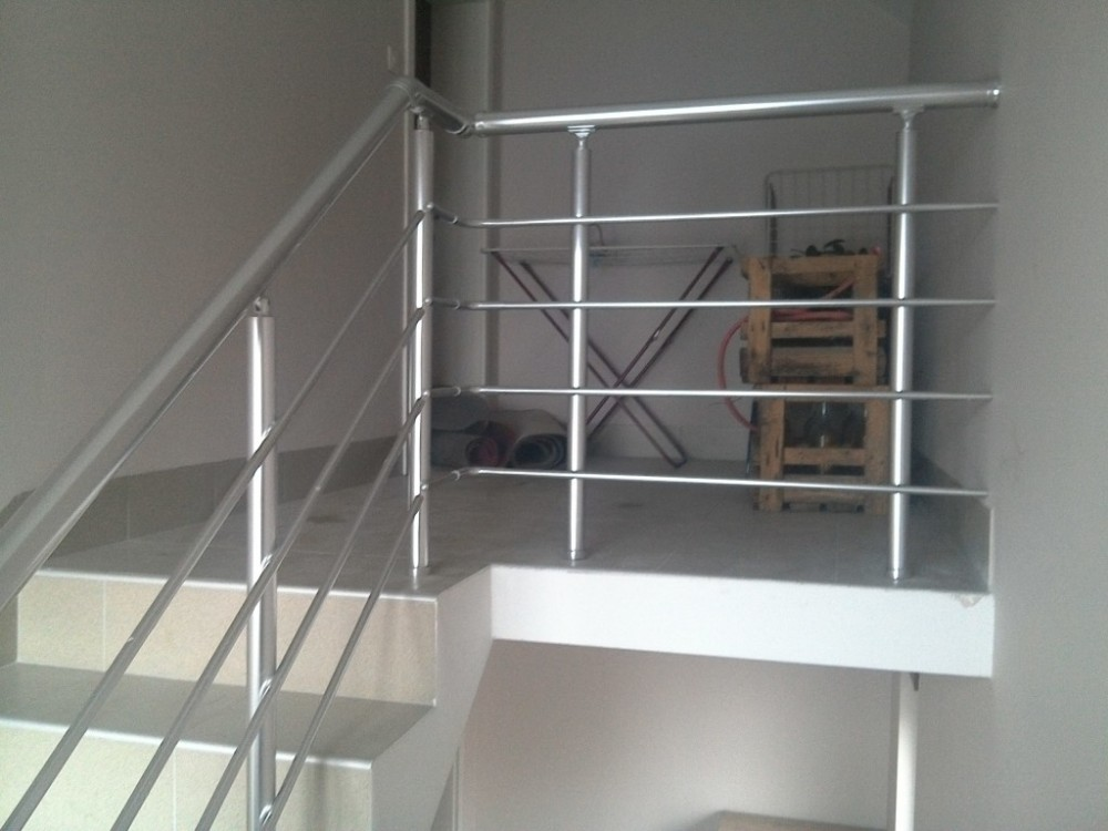 Aluminum balcony railing designs balcony stainless steel for Balcony steel railing designs pictures