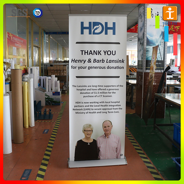 New 2015 fashion Free Standing and Wide base Advertising roll up banner screen display made in China manufacture wholesale