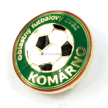 China Atacado Personalizado Design <span class=keywords><strong>De</strong></span> Metal Emblemas Desportivos Football Club Souvenir Badge Pin <span class=keywords><strong>de</strong></span> Lapela Com Banhado A Ouro