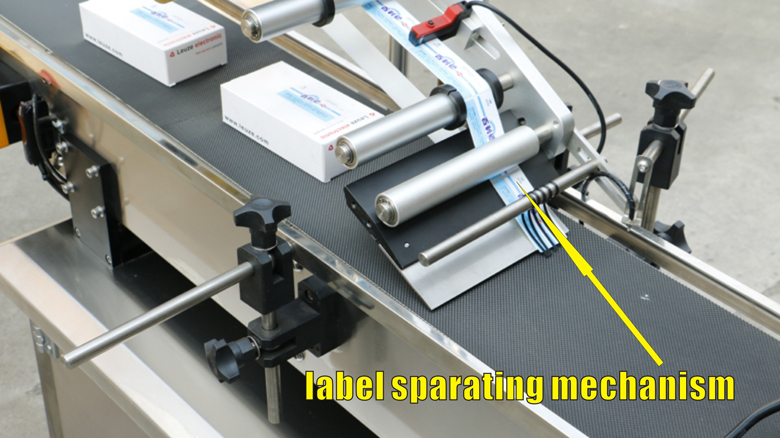 Top side adhesive pasting sticker plane bottle labeling machine