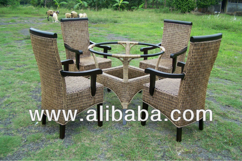 Mellya Dining Set