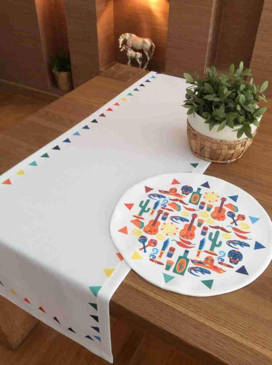 "TekgulDesign Amigos Placemats,%100 Polyester, Handmade, Diameter: 35cm (14""), Crease Resistant and Stain-Proof Fabric, Modern and Colorful Ultra HD Graphics."