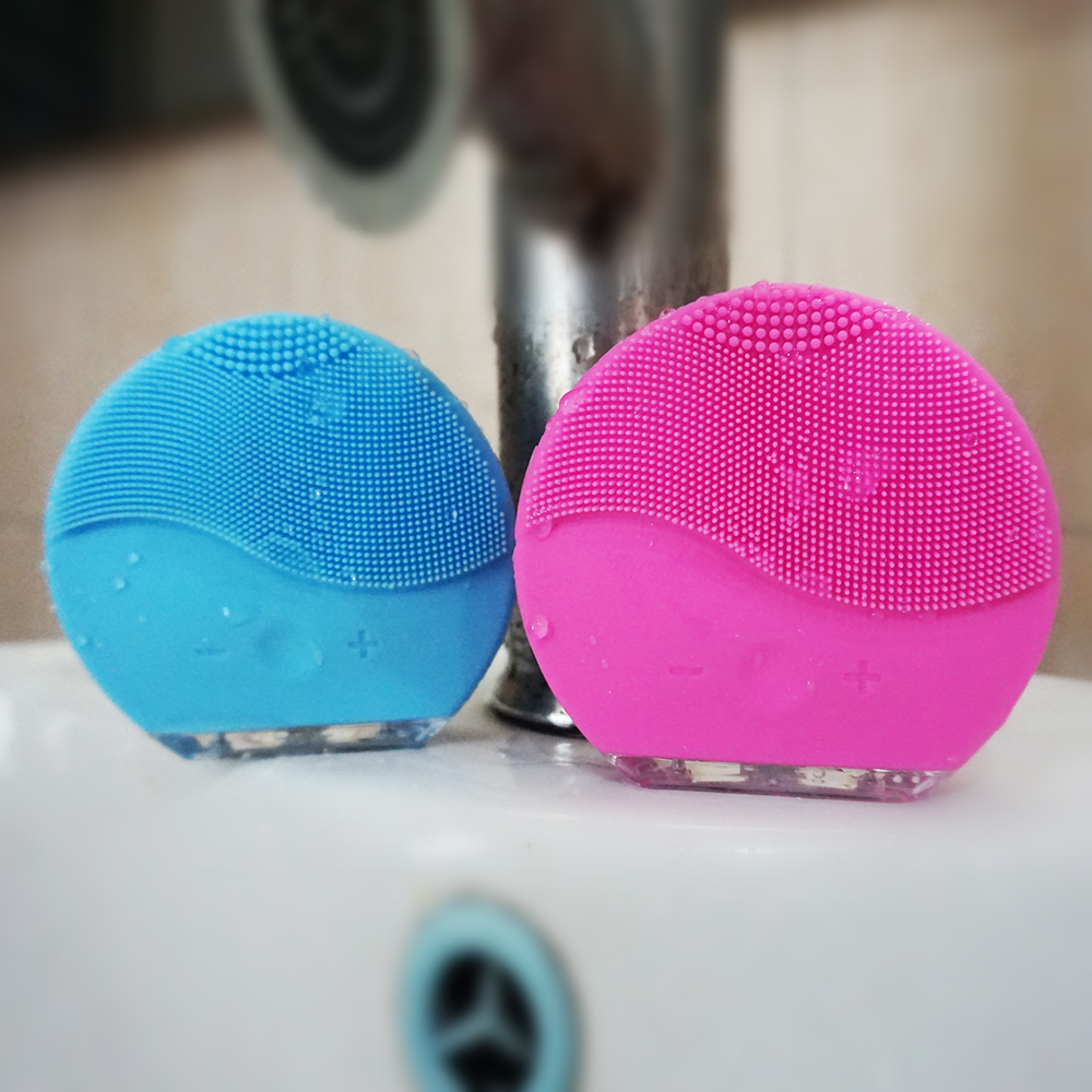 Electric Ultrasonic Vibration Facial Cleansing Brush Skin Pore Cleanser Waterproof Silicone Face Massage
