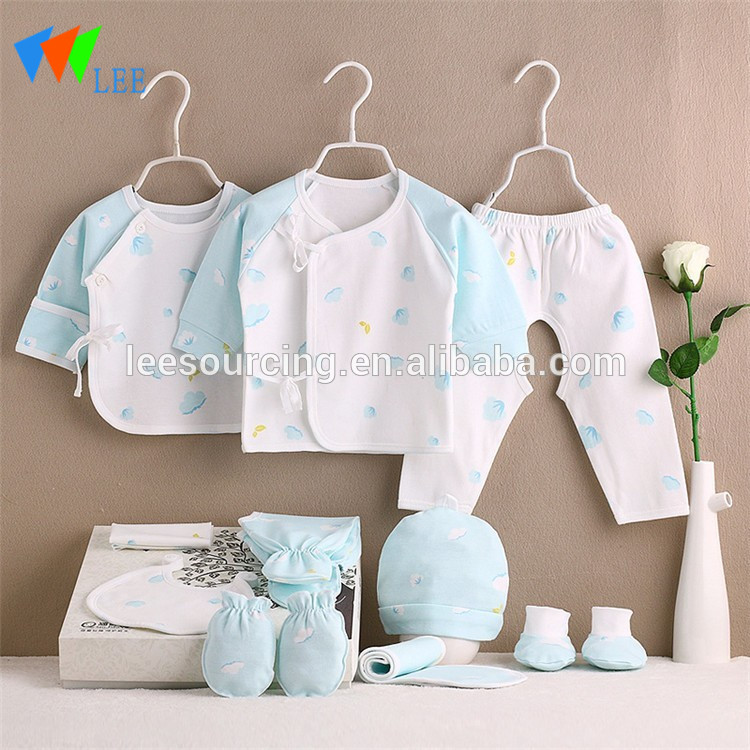Wholesale new born cotton clothes baby gift set with comfort wear