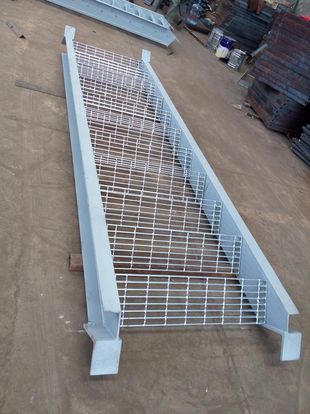 Mild Steel Grating Composite Outdoor Stair Tread Buy Steel Outdoor Composite Stair Treads