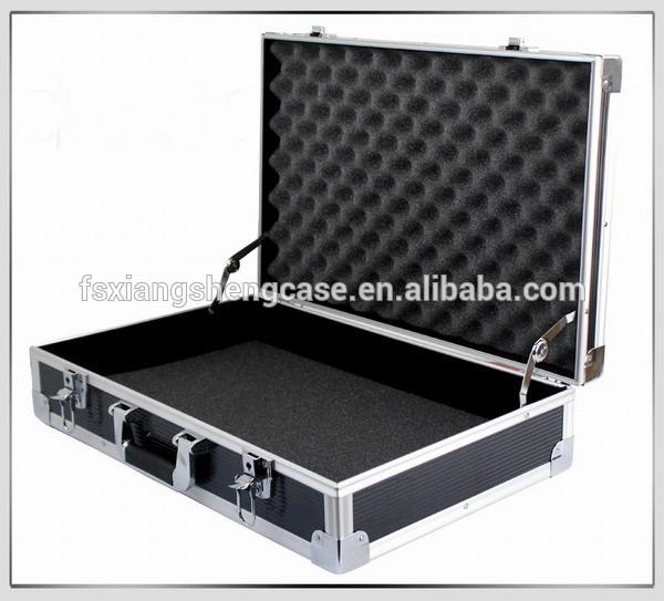 Caja de herramienta port til multi malet n de aluminio - Maletin de aluminio para herramientas ...