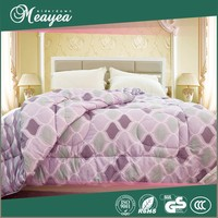 cotton quilted bedspread, feather quilt made by quilt sewing machine, goose down quilt/duvet/comforter