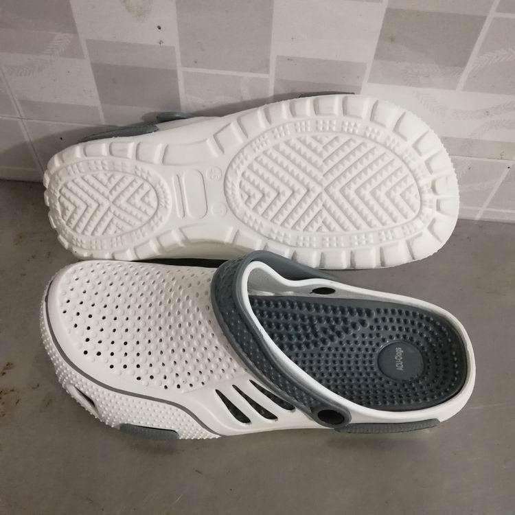 shoes stock men Plastic Outdoor Cheap Wholesale men eva slipper garden shoes bi-color clogs
