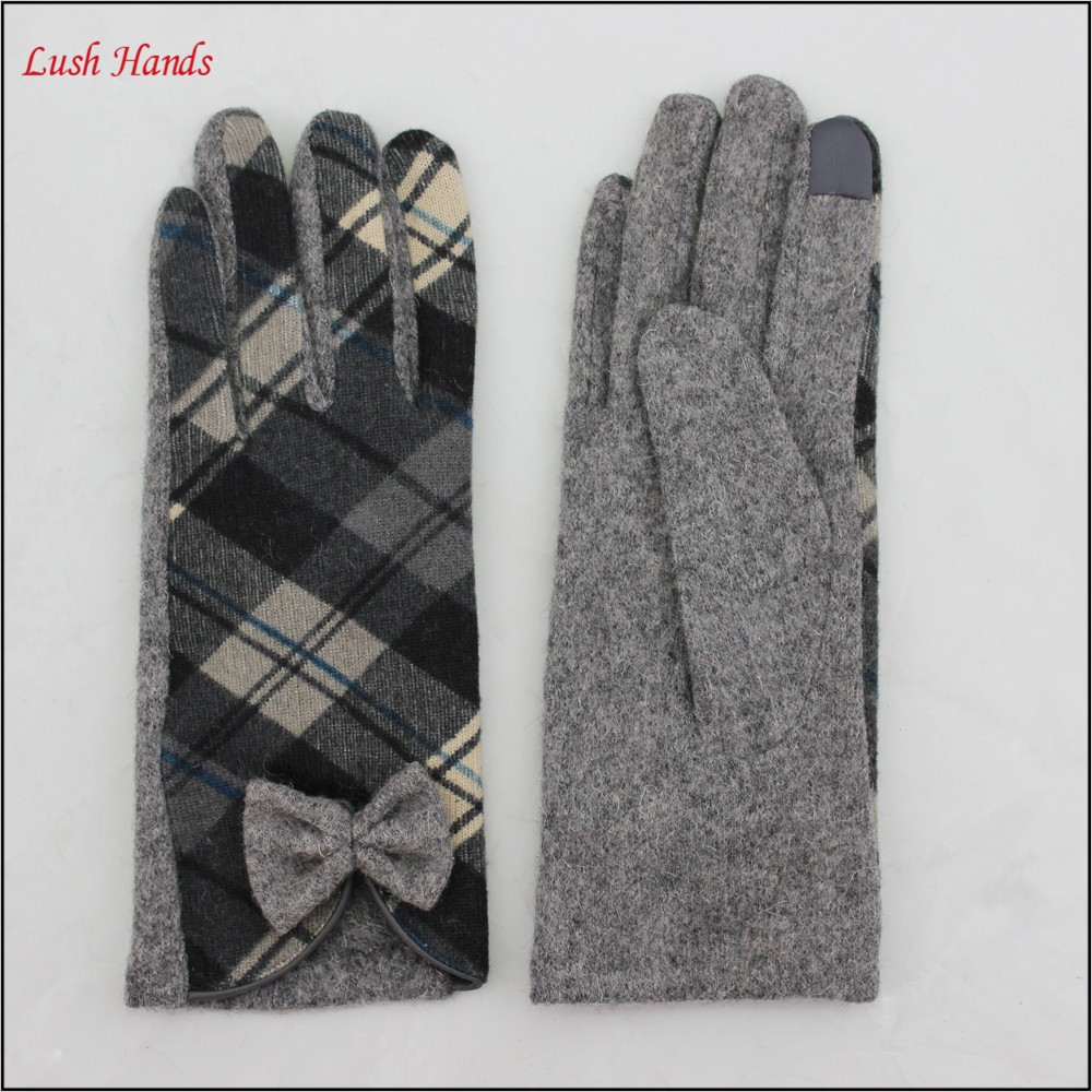 Women's woollen Tartan back touch screen Gloves with Bow Detail