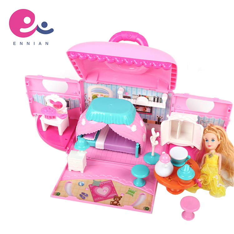 Funny Portable Design Deformed Princess Handbag Play House Toy With Lovely Dolls