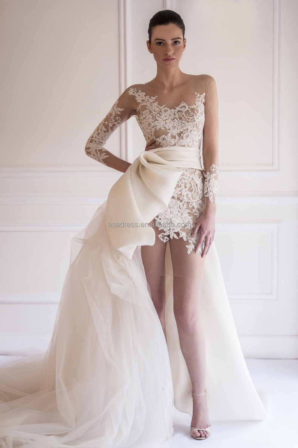 Latest Y Long Sleeve Bridal Gown Short Wedding Dress With Train Sheer Lace Dresses