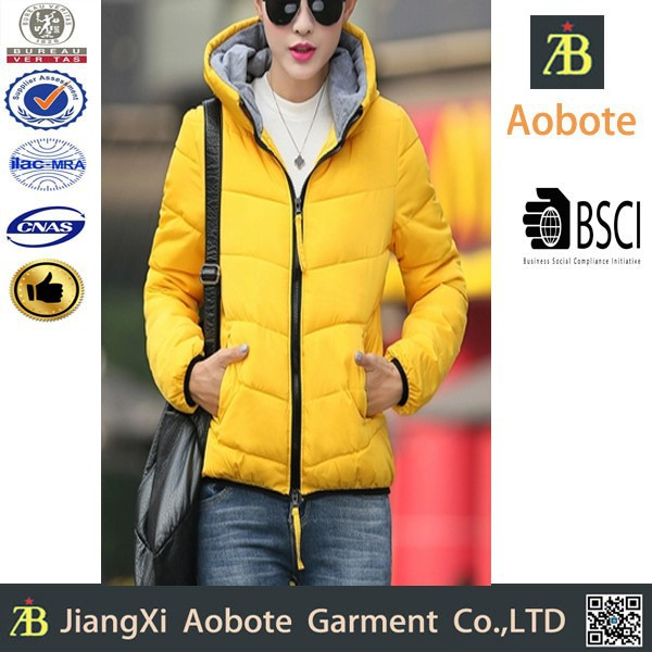 2015 New Fashion Portable Outdoor Women Short Padded Jacket