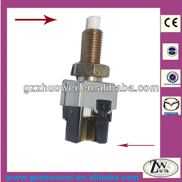 Popular Car Brake Light Switch International For MAZDA /VW/ MITSUBISHI/TOYOTA/DAIHATSU UH71-66-490
