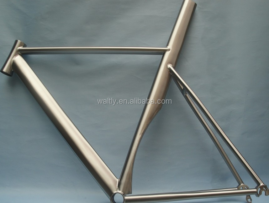 High performance road bicycle frame titanium oval tube