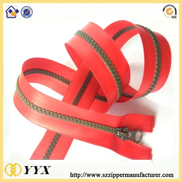 #5 Custom Cheap Waterproof Plastic Zippers in Bulk