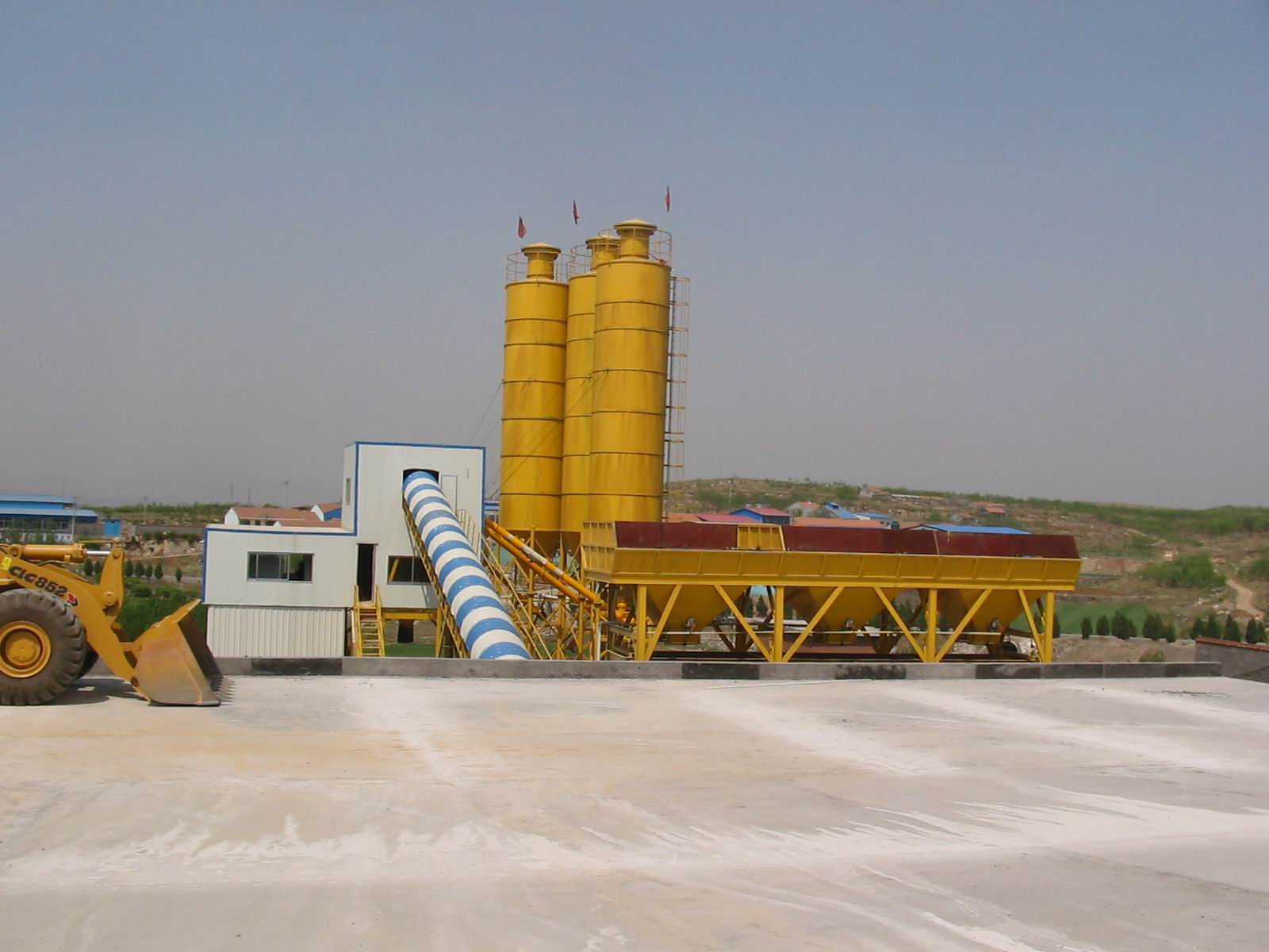 China 60m3/H Mobile Concrete Mixer Batching Plant with 3