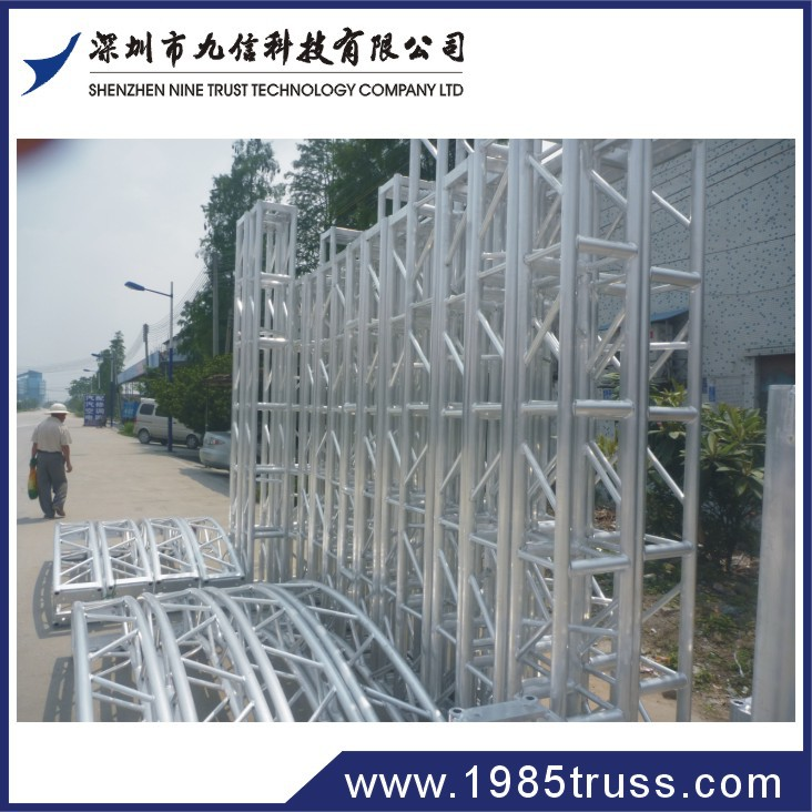 Chauvet trusst portable mobile dj truss system arch truss for Cheap truss systems