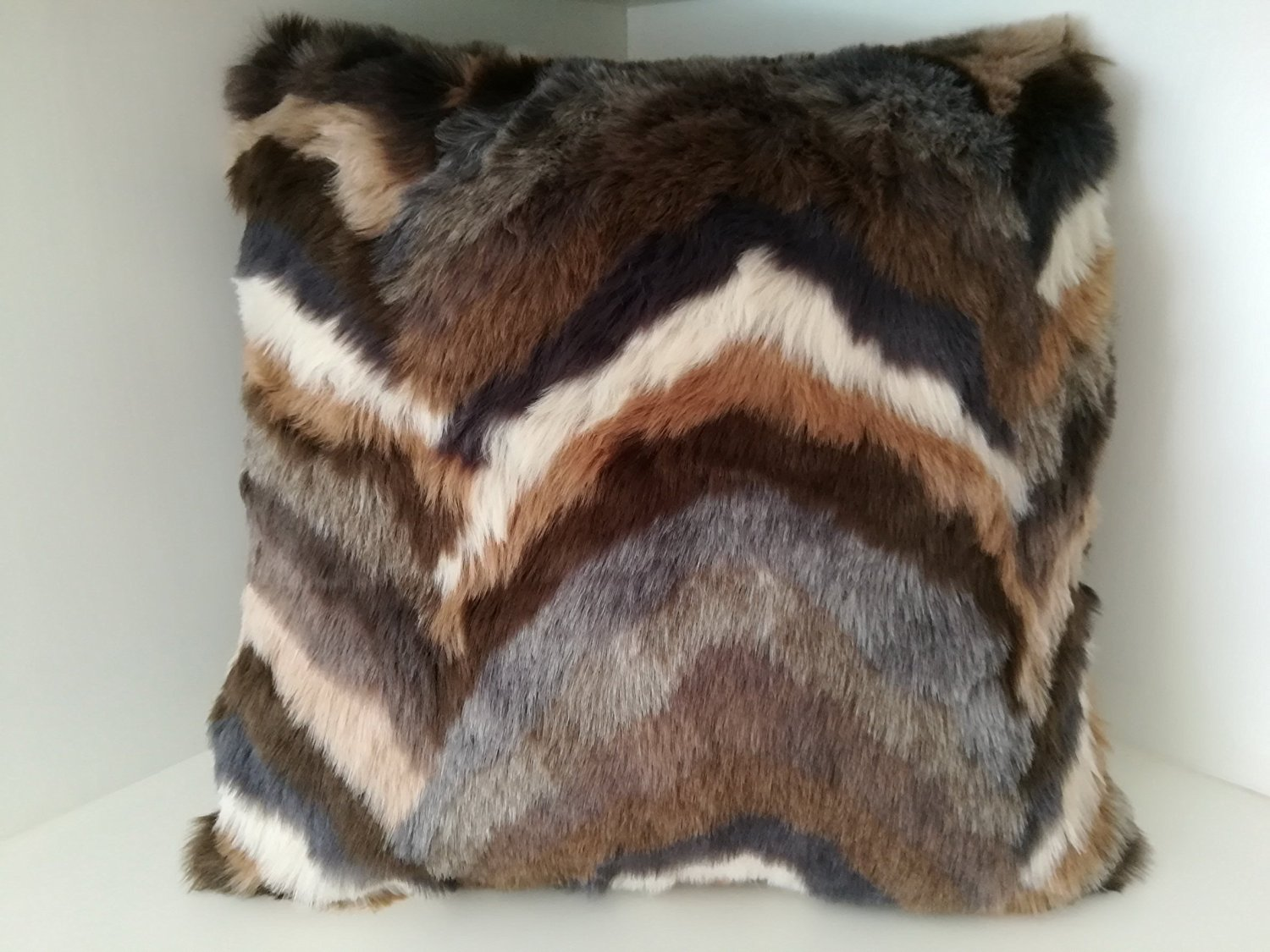 "Euphoney Home Decorative Fur Cushion Cover 18"" x 18"" 45cm x 45cm, Square Pillow Cover for Living Room,Bedroom,Luxury, New Style Throw (18x18inch(45x45cm), brown)"