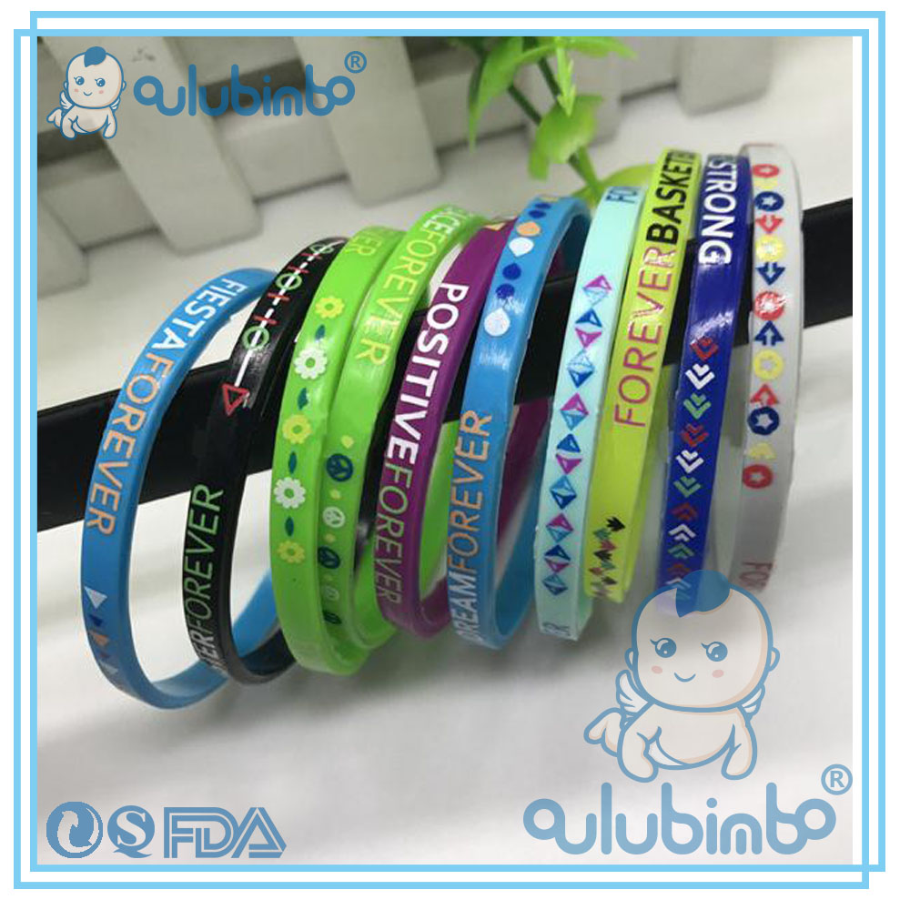 2017 hot sale custom and payal design photos of silicone wristband