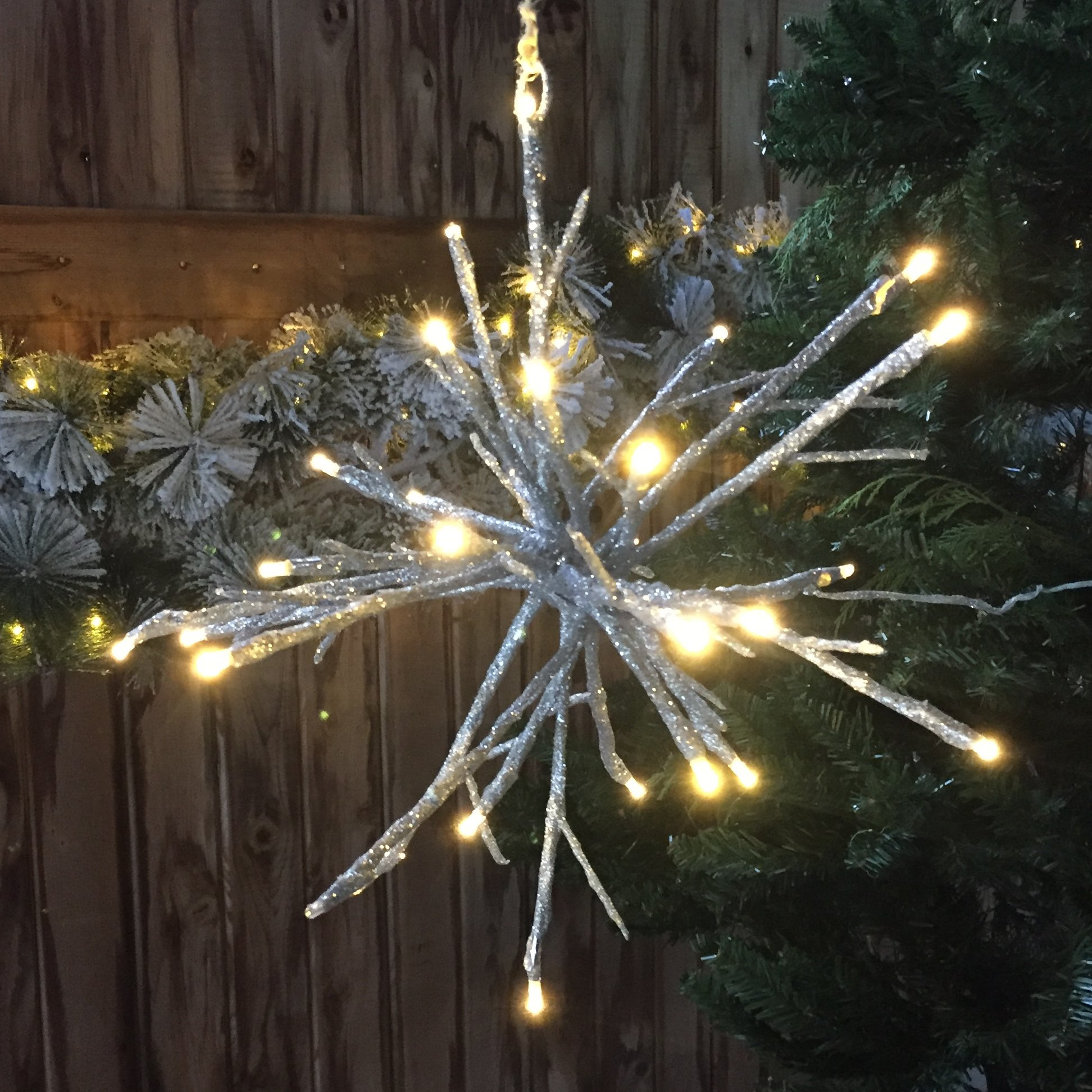 The Rustic Americana LED Silver Glitter Bendable Star Snowflake, 32 LED Brilliant Bulbs, Golden Light, Battery Powered, 3 AA Batteries, Approx. 1 Ft Diameter, By Whole House Worlds