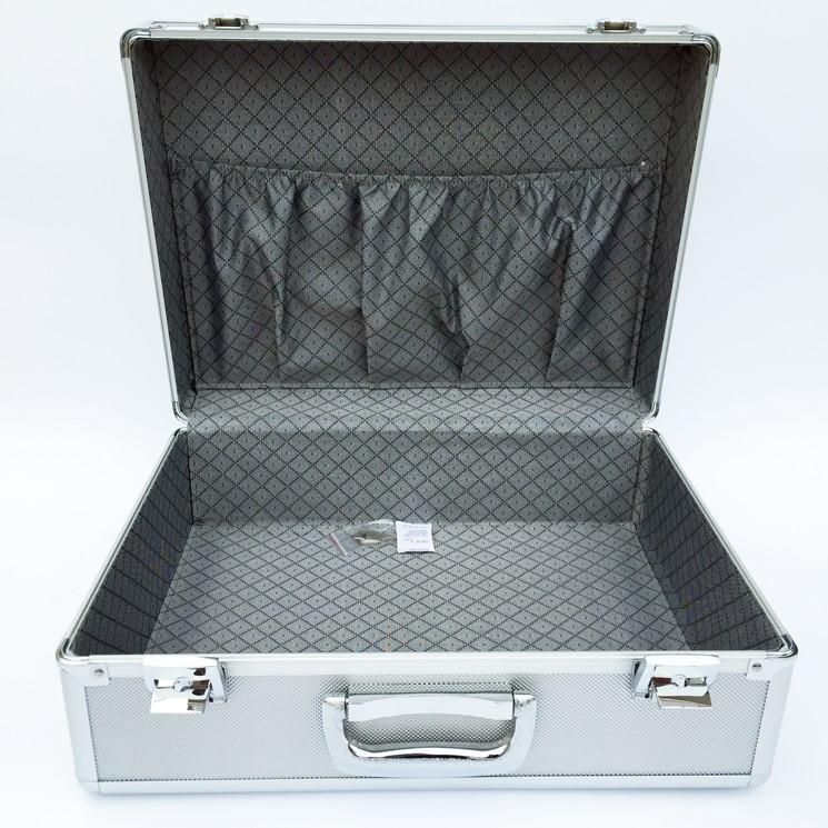 briefcase storage