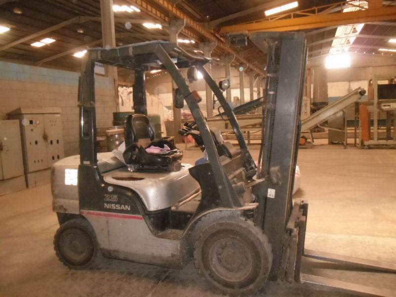 Nissan Y1f2a25u Forklift