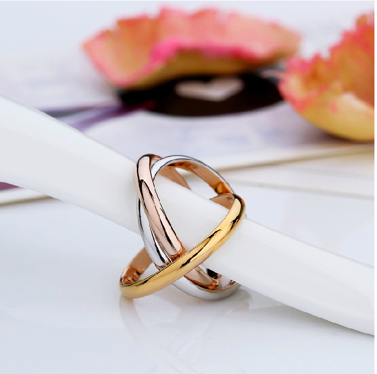 Latest Fashion Jewelry Stainless Steel Interlocked Ring For Women