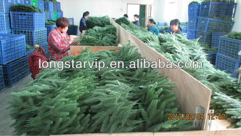 Pe Artificial Christmas Tree Leaf - Buy Artificial Christmas Leaf ...