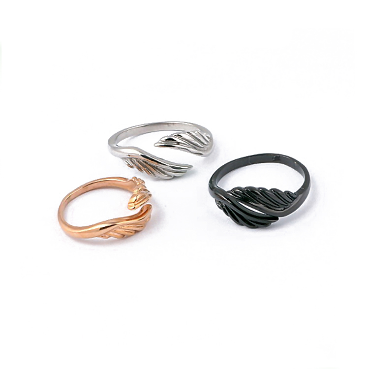 Cute design small and exquisite angel wing ring