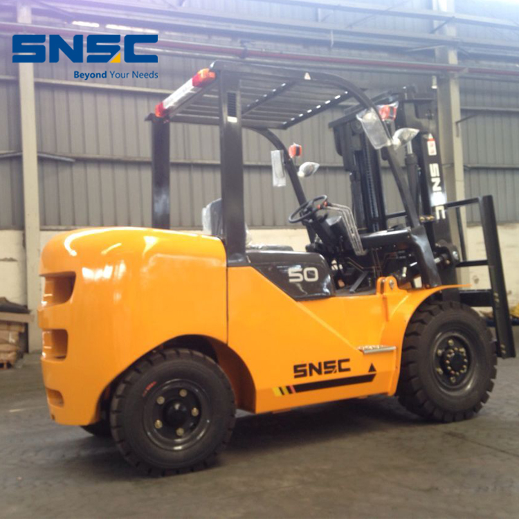 SNSC mini 5ton fork lift FD50 with japan engine price