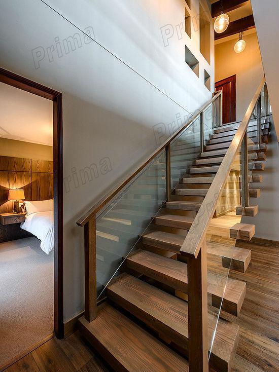 Corrimano in vetro scale scala gradini in legno legno for Gradini in legno massello prezzo