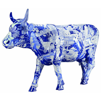 High Grade Resin Art Cow Sculpture Collection Fashion Indoor Ornament Decoration