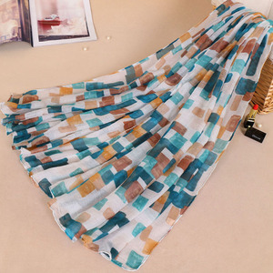 Chinese Supplier Good Quality Fringe Stole Shawl Viscose Print Colorful Lattice Scarf
