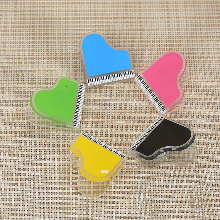 New plastic paper hanging <strong>clip</strong> of stationery with musical shape