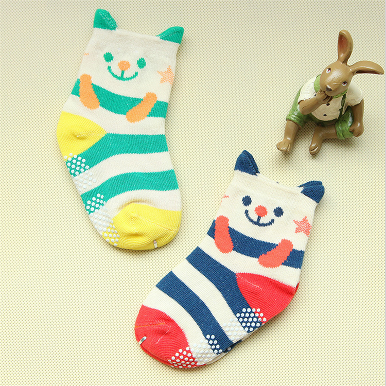 low quantity stretch cartoon footsocks sneakers crew socks with grip for baby