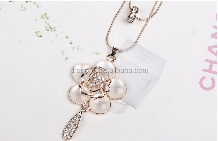 <strong>Fashion</strong> Double Layered Rose Flower Pendant Necklace Long Sweater Chain