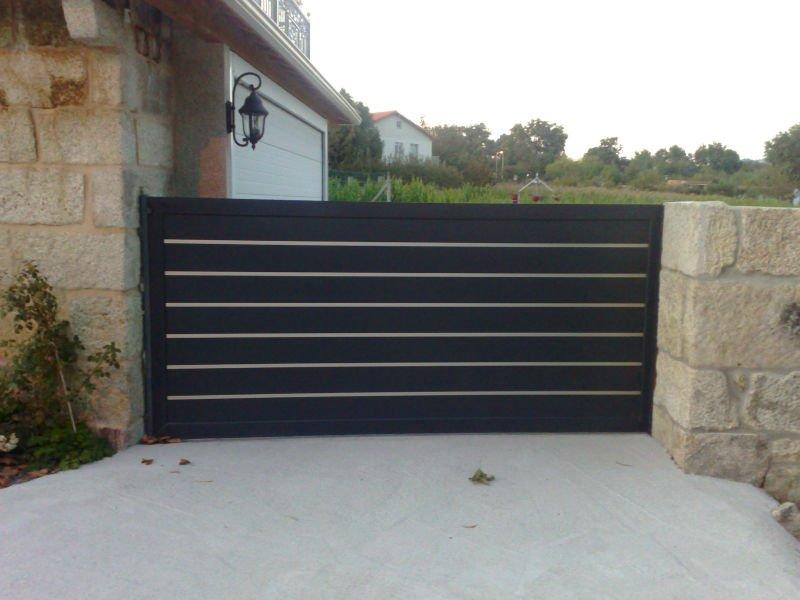 Aluminio puertas de jard n otros suministros para jardines for Puertas jardin aluminio