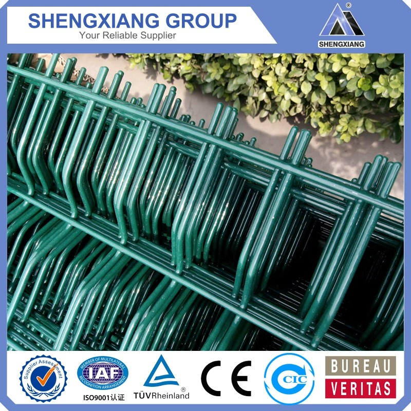 CE Certificated High quality PVC Coated Curved Fence